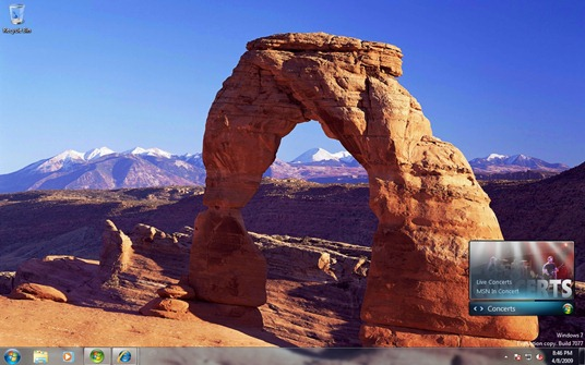 Desktop from Windows 7 Build 7077 remains pretty much the same as the last build.