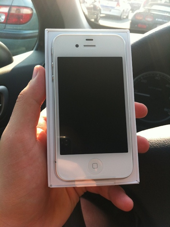 White iPhone 4 (1)