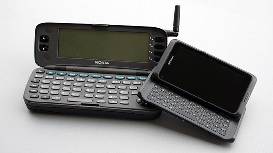 800px-As_Time_Goes_By_(Nokia_9000_Communicator_&_E7)