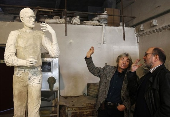 Steve-Jobs-Statue-The-Making-Of-11-600x413