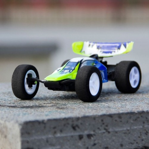 iphone-controlled-stunt-car-racer-6-550x550