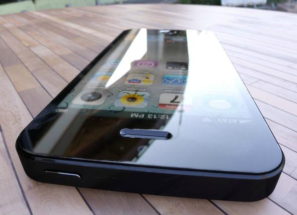 iPhone 5 renders 2