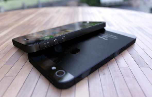 iPhone 5 renders