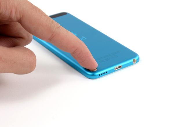 iPod touch teardown 1
