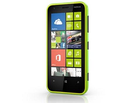 Nokia_Lumia_620_01