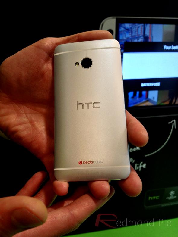 HTC One 7