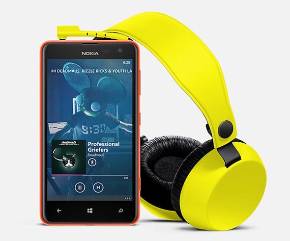 3-Product-Page-Lumia-Max-Hero-2000x1000-jpg