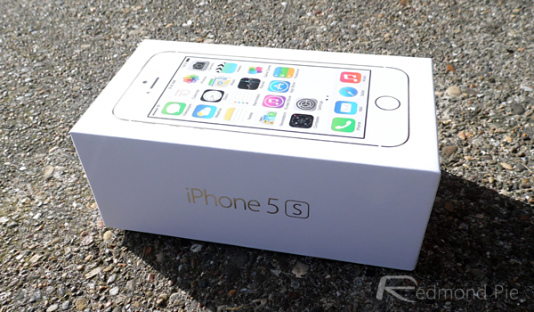 gold iPhone 5s box
