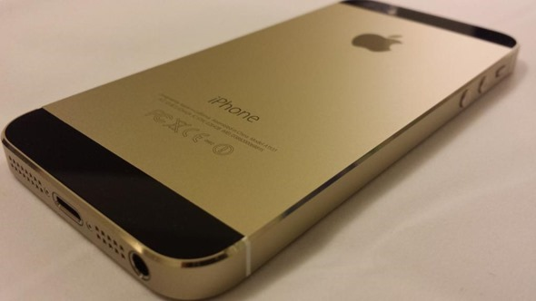 gold iphone 5s with black front assembled using genuine