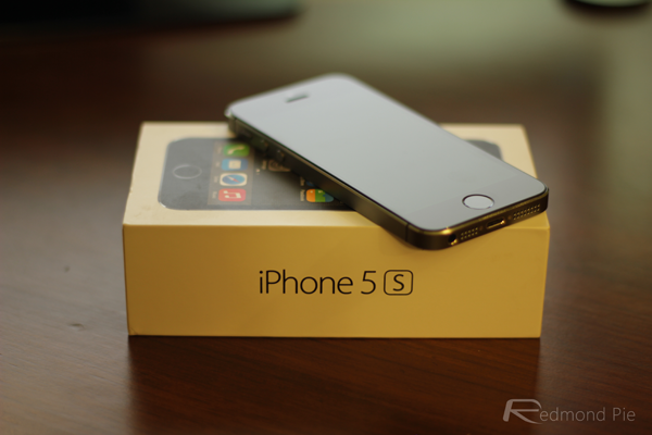 Apple iPhone 5s  Video Review   731cbd0794
