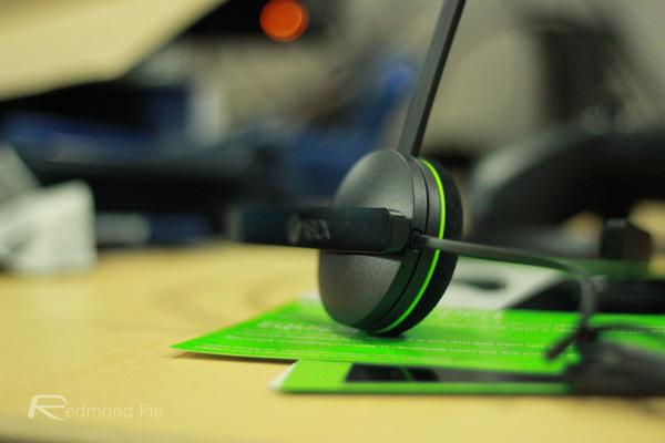 Xbox One headset 1