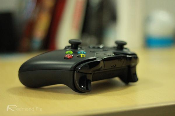 Xbox One rear side