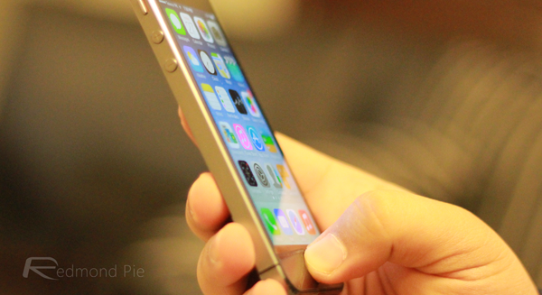 iPhone 5s touch ID side