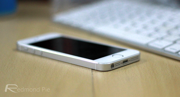 Silver iPhone 5s side pose