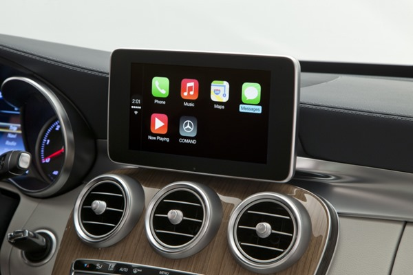Mercedes Benz CarPlay