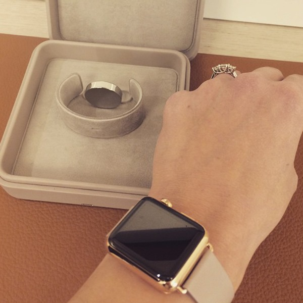 Gold Apple Watch Edition Box (2)