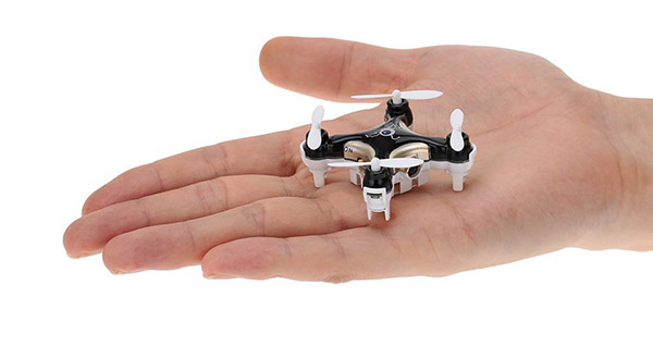 worlds-smallest-drone