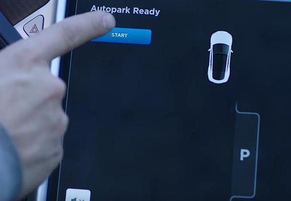 tesla-autopilot-01