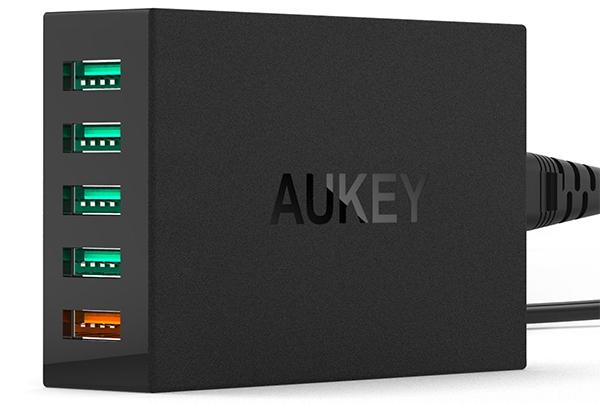AUKEY-5-Port-Desktop-Charging-Station