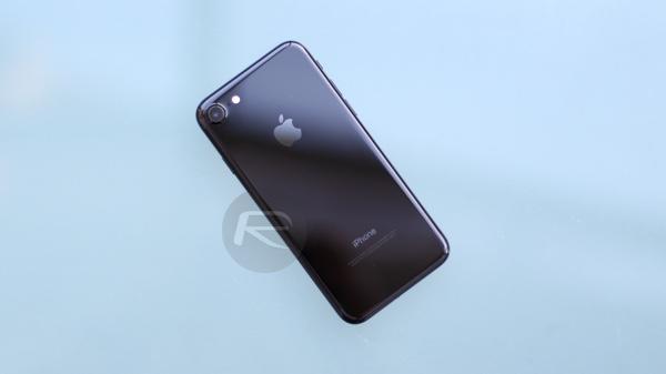 iPhone 77