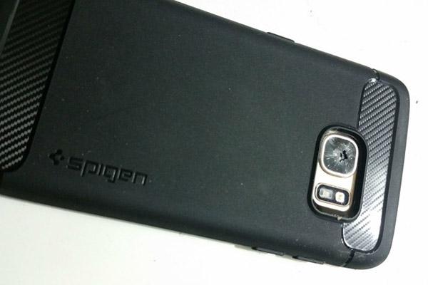 Samsung-S7-shattered-camera