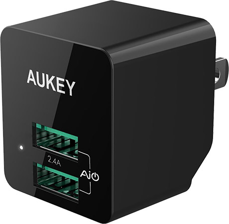 AUKEY-Universal-USB-Wall-Charger-with-Foldable-Plug