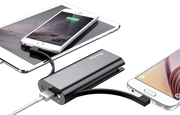 Jackery-Bolt-6,000-mAh