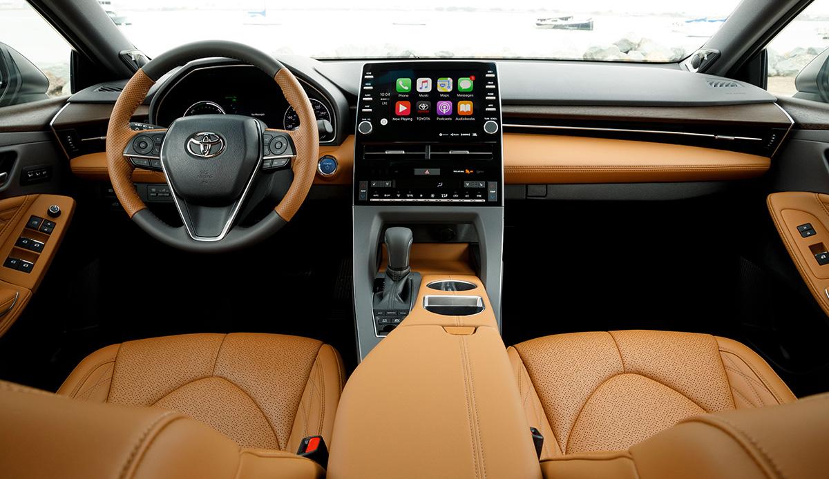 2019 Toyota Avalon, Corolla Hatchback CarPlay, Alexa ...