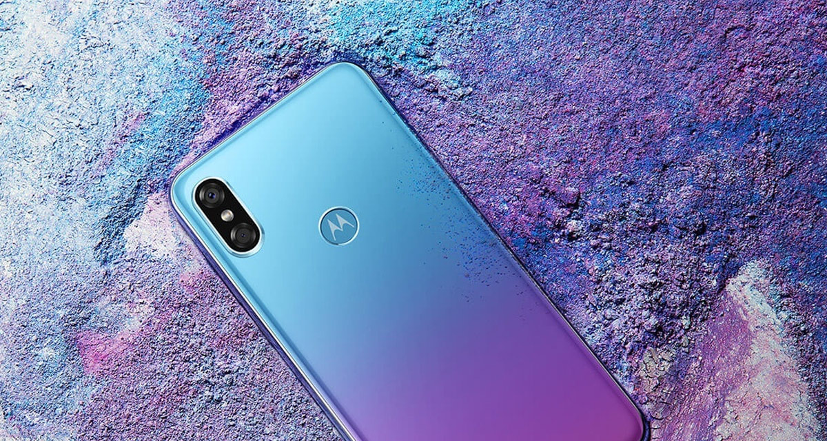 Can you tell Motorola's new phone apart from Apple's iPhone X?
