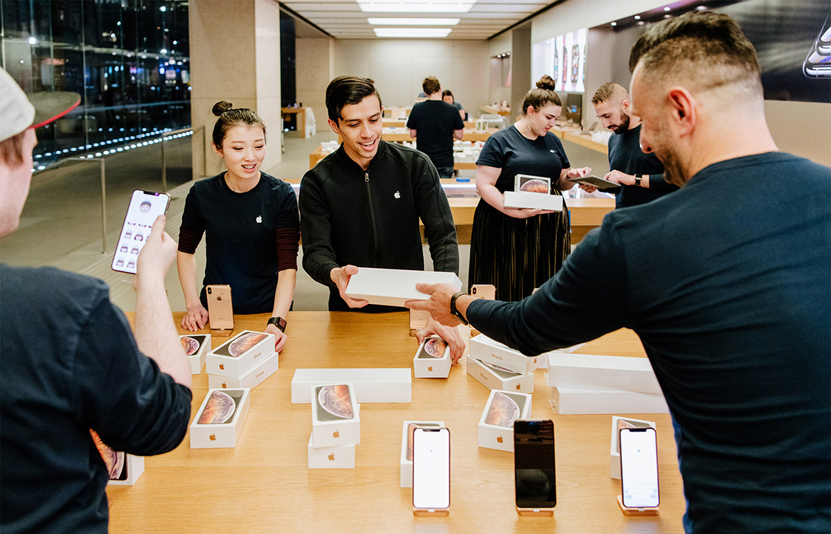 Apple's new iPhones, Watch Series 4 now on sale