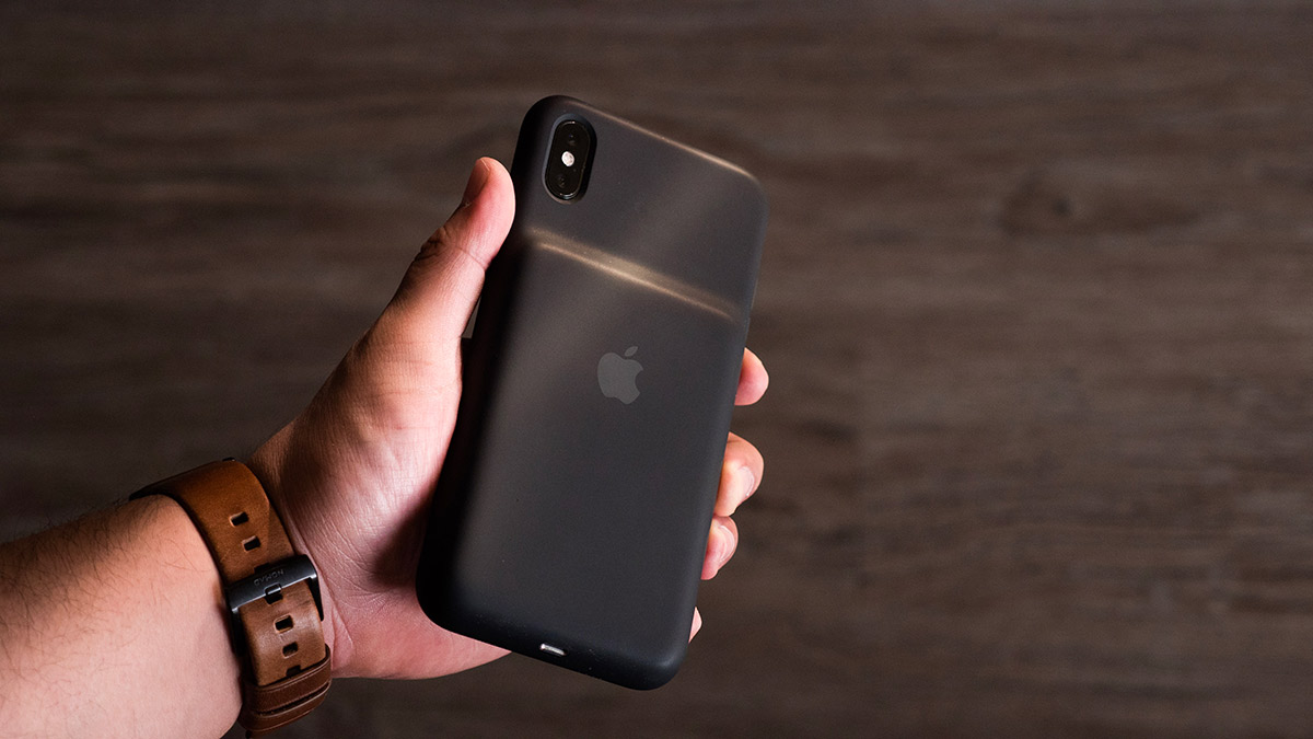 iPhone XS, XS Max, XR Smart Battery Cases Are Short In
